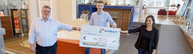 Neidhart – wir sind da, wo wir gebraucht werden-Scheckübergabe für den Sozialfonds Loosdorf